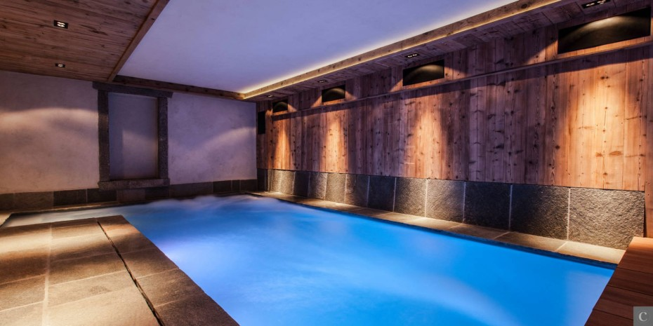 Le Collectionist Chalet Ornella swimming pool