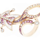 Cerfs-Volants, Van Cleef & Arpels 1-motif Between the Finger Ring, pink gold, pink and mauve sapphires, mother-of-pearl and diamonds_714782