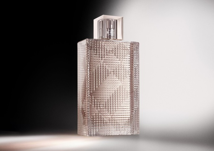 parfum burberry 2015_BRIT_RHYTHM_2_CREATIVE_PACKSHOT_WOMAN_UNCROPPED_RGB