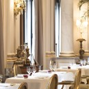 Four Seasons Paris Le Cinq Restaurant 2015 close up tables